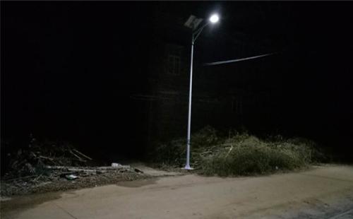 正翔照明新农村太阳能路灯照进茂名化州市下郭区