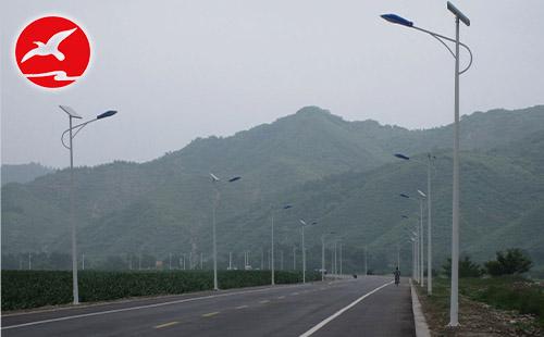 城市的夜空少不了LED太阳能路灯生产厂家的产品付出