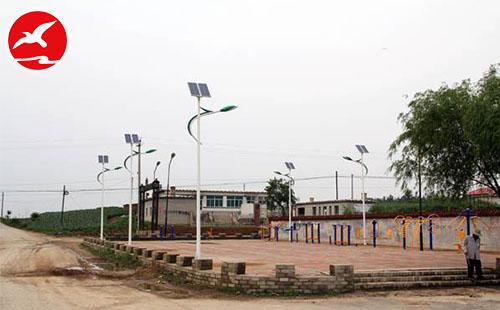 农村致力开发城乡通道LED太阳能路灯鼎力相助