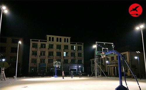 正翔照明LED球场灯照亮江西九江市修水县东港乡户外球场