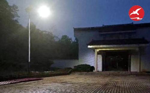 正翔照明完成红领山陵园周边太阳能路灯项目