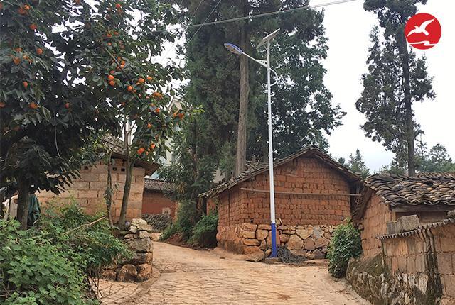 正翔照明6米30W太阳能路灯照亮云南普朝村