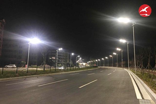 正翔照明解析LED太阳能路灯在寒冷地区寿命问题