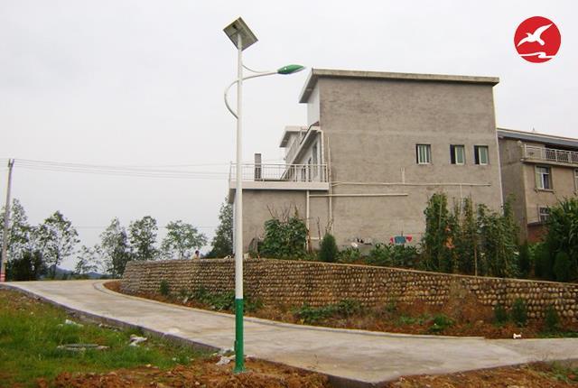 农村太阳能路灯满足普遍民众使用要求