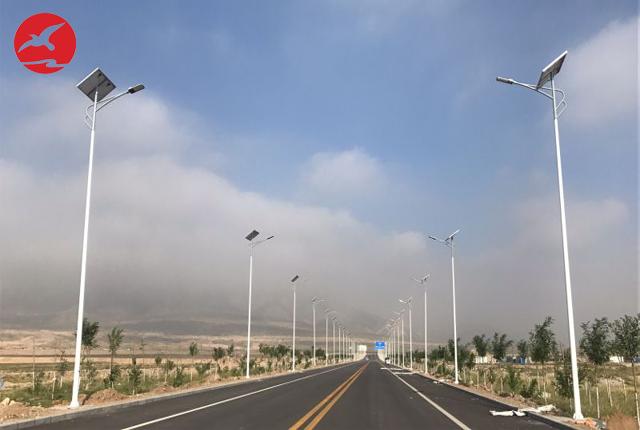 正翔照明太阳能路灯:用绿色能源点亮世界