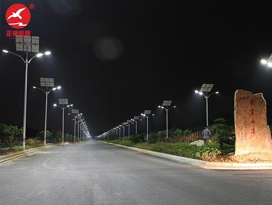政府采购路灯点亮32公里乡路