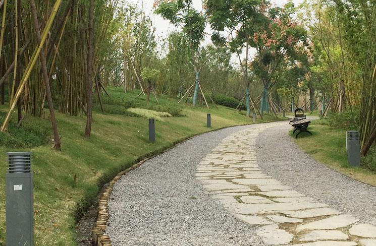越南客户采购900套翻砂草坪灯 正翔户外照明精益求精
